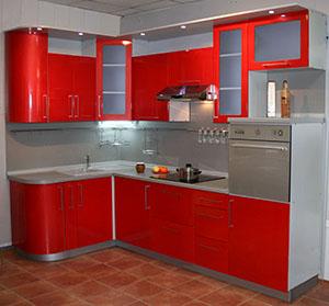 угловая кухня с крашеными МДФ фасадами