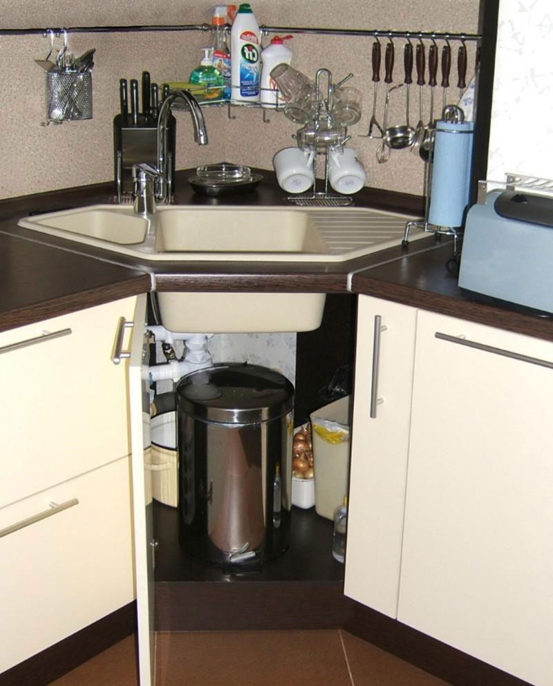 Организация пространства под кухонной мойкой 2