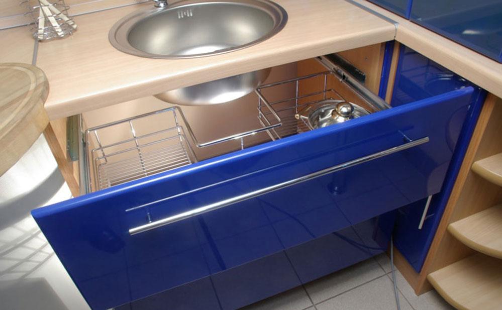 Организация пространства под кухонной мойкой 11