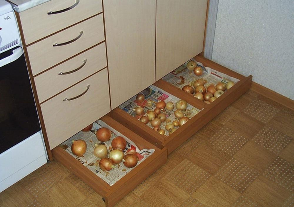 Организация пространства под кухонной мойкой 17