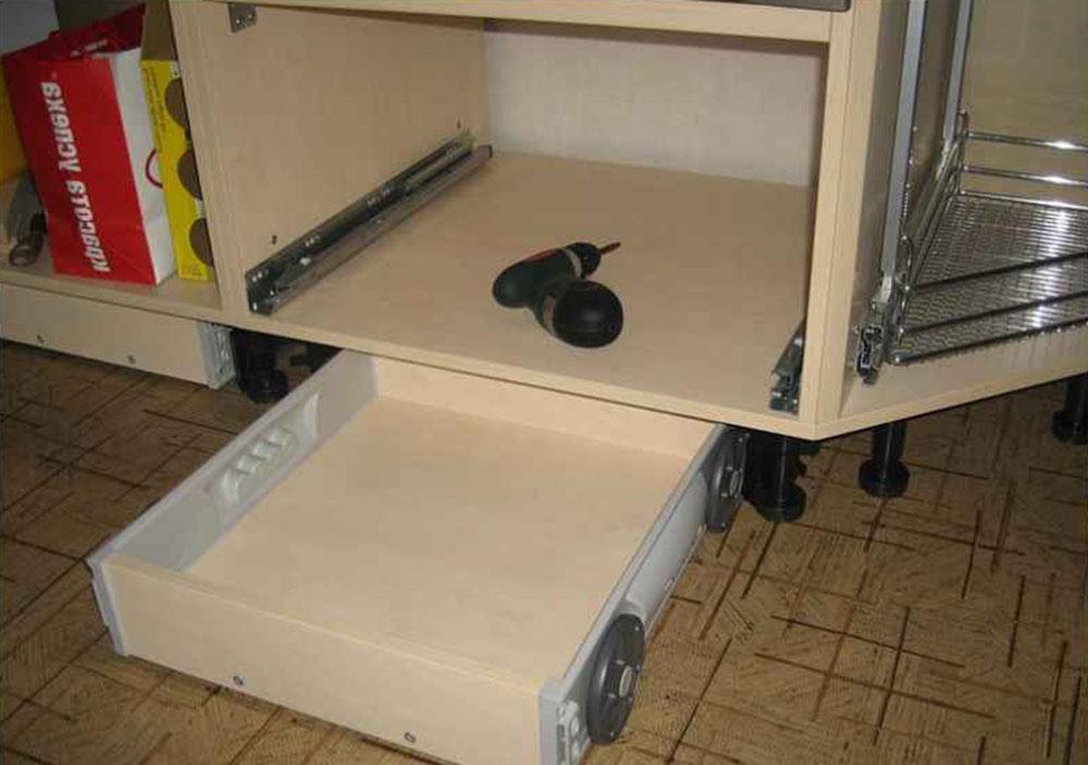 Организация пространства под кухонной мойкой 19