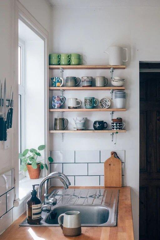 Удобная и функциональная маленькая кухня