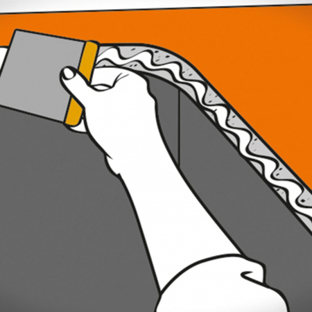 Нанесите силиконовый герметик на торец выреза