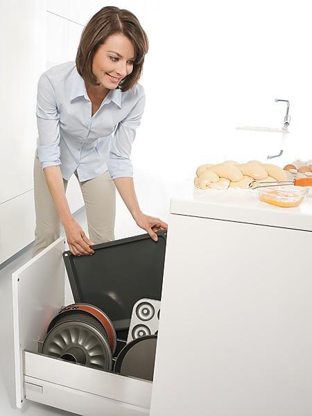 Эргономичные выдвижные ящики на кухне