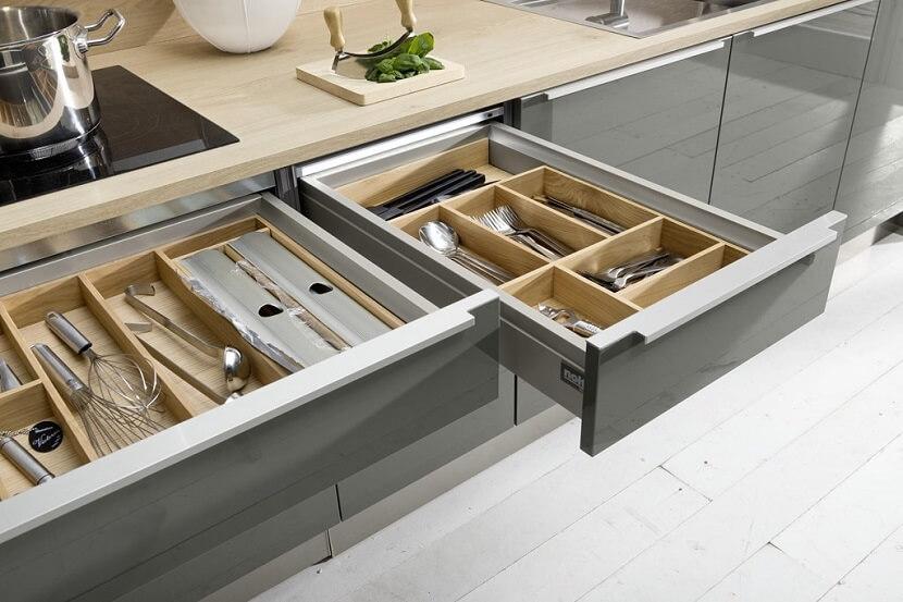 Глубокие кухонные выдвижные ящики
