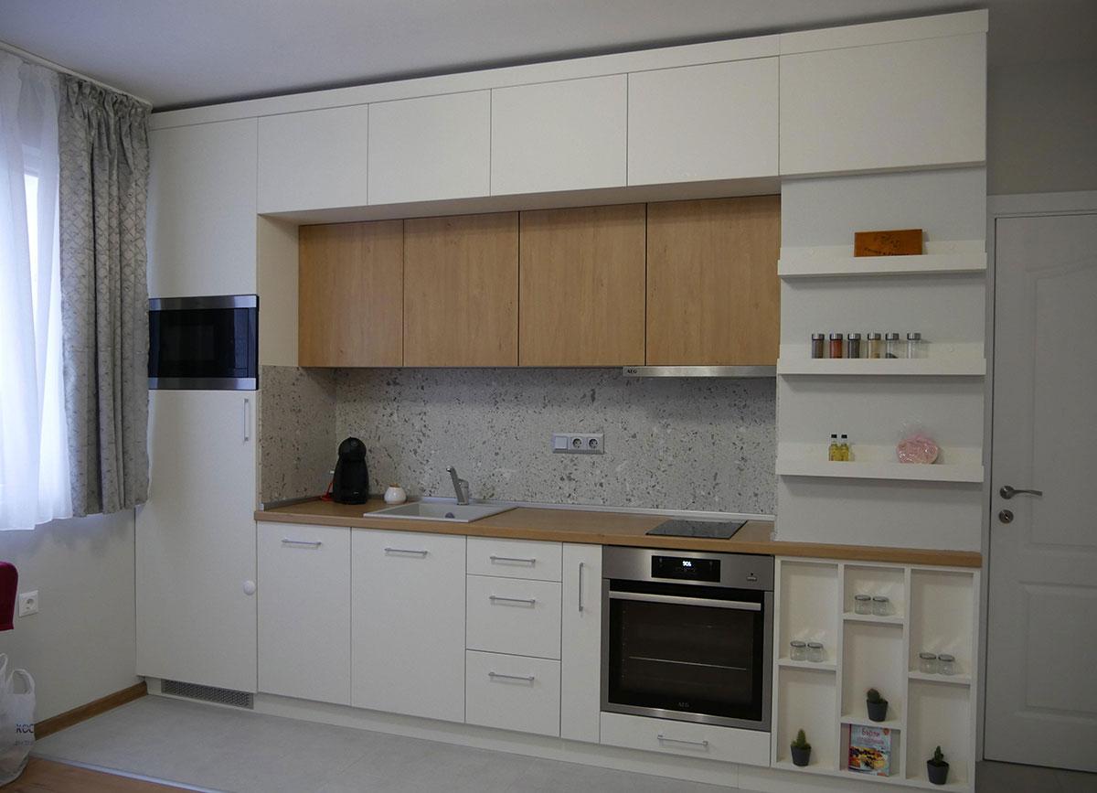 Кухня, сочетающая фасады из МДФ и ЛДСП