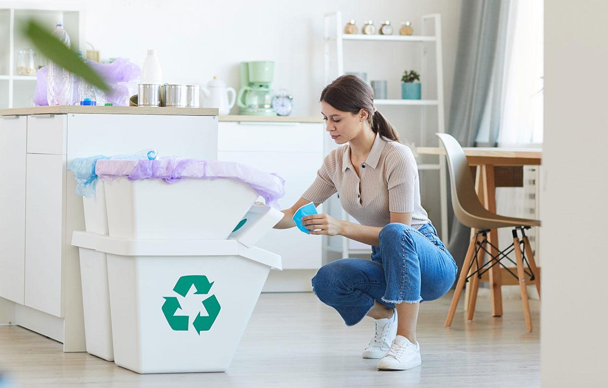 Кухонные контейнеры для мусора