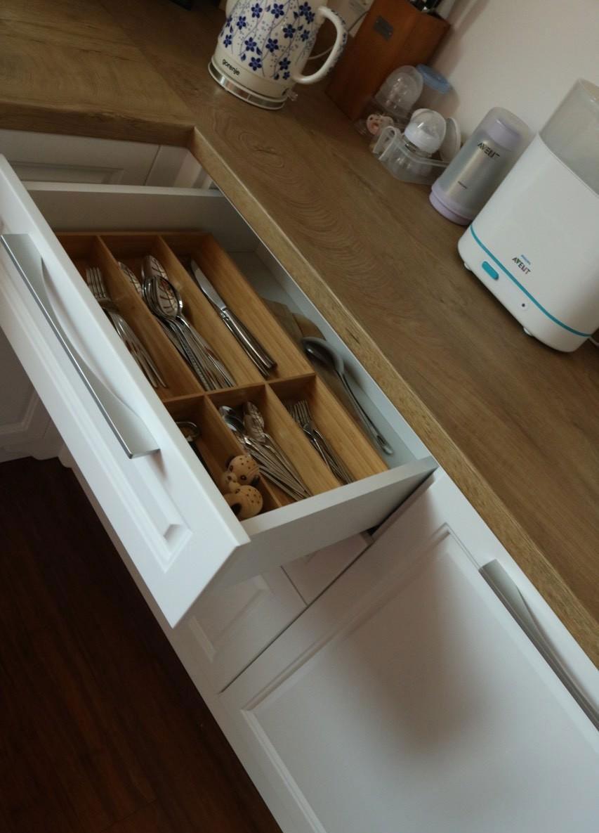 Вкладыш для столовых приборов с бамбуковыми перегородками