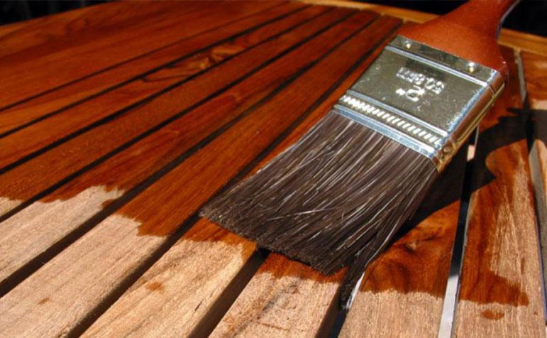 Как покрыть лаком деревянную мебель