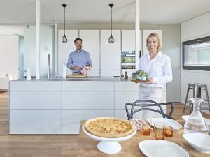 Индивидуальная планировка удобной кухни