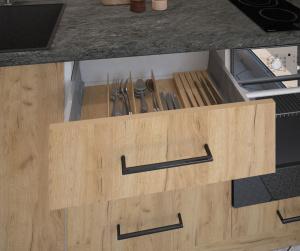 Организация кухонных ящиков с помощью разделителей
