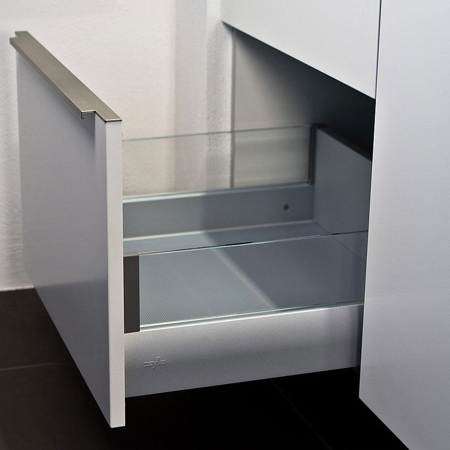 Кухонные выдвижные ящики с направляющими полного выдвижения