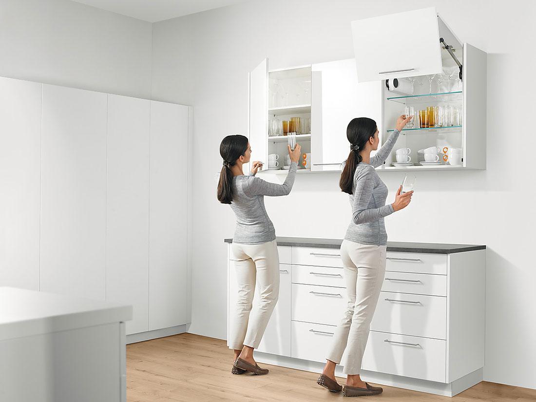 Преимущество кухонного фасада с подъемным механизмом