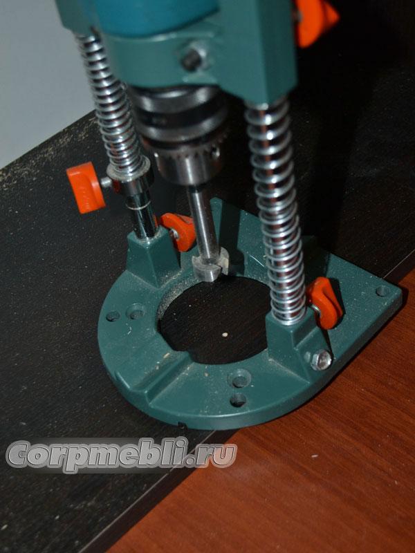 Сборка поворотных механизмов обувницы