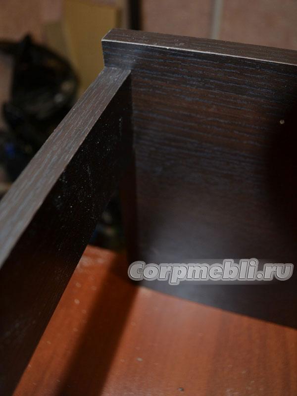 Соединяем детали корпуса тумбы с помощью конфирматов