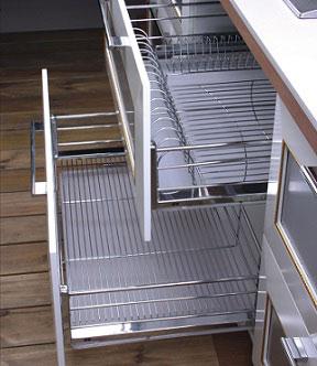 Металлические выдвижные корзины для кухни