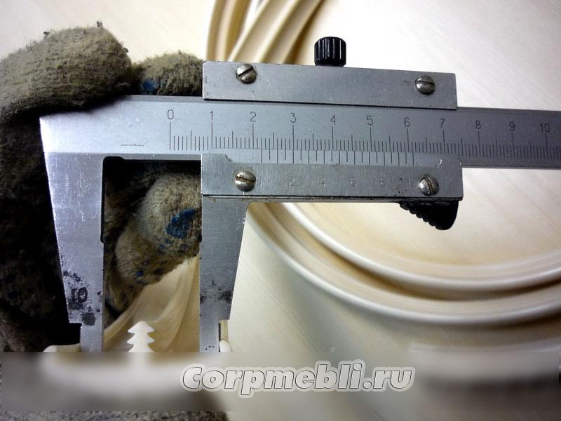 Измеряем внутреннюю ширину Т-образного канта
