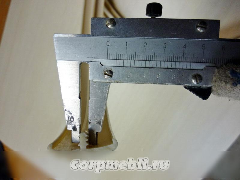 Измеряем толщину шипа Т-образного канта