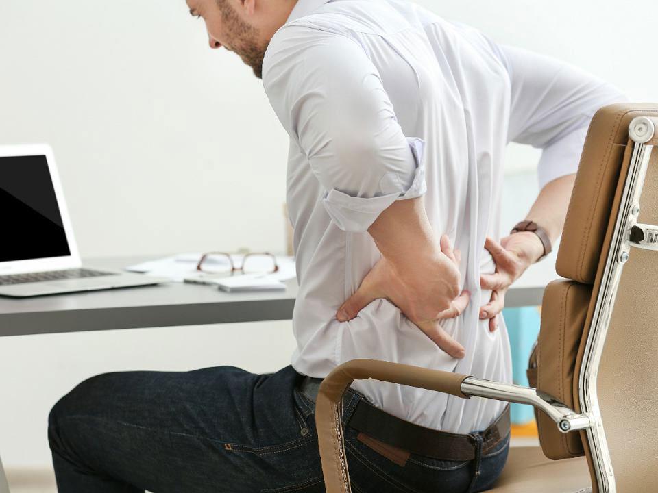 Высота и спинка офисных стульев
