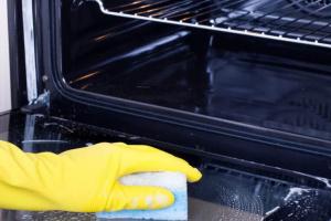 Как быстро отмыть духовку от жира и нагара