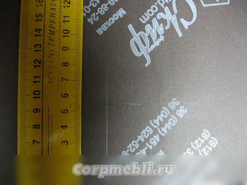 Разметка для стяжек с помощью угольника: 55 мм
